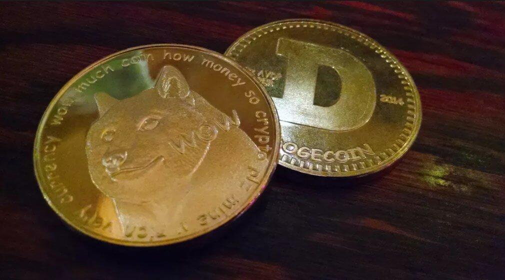 Монета Dogecoin