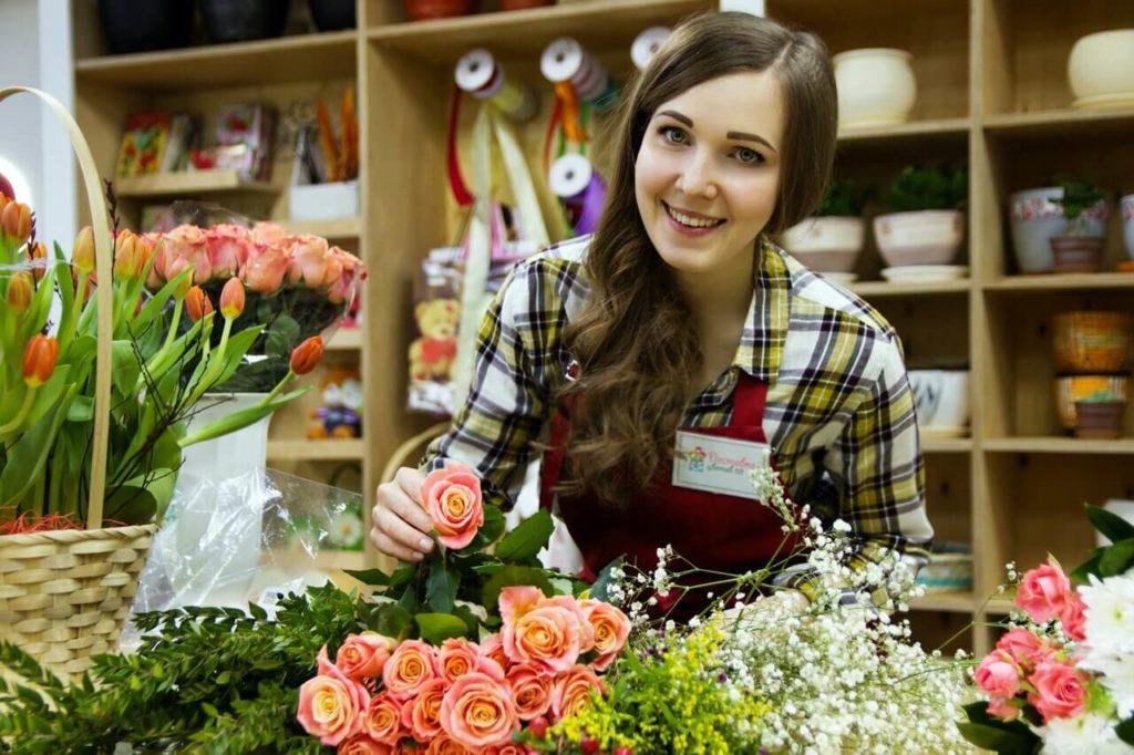 Девушка флорист